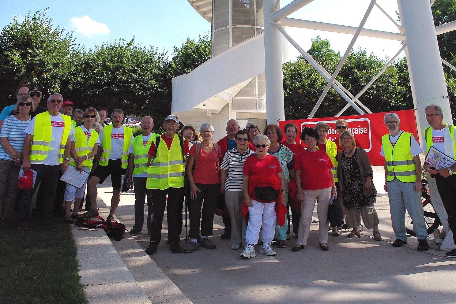 Photo de marcheurs et de leurs guides.