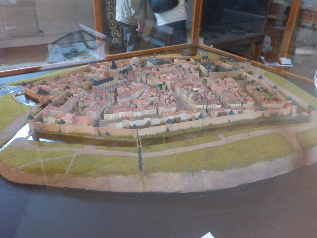 Photo de la maquette historique de rambervillers