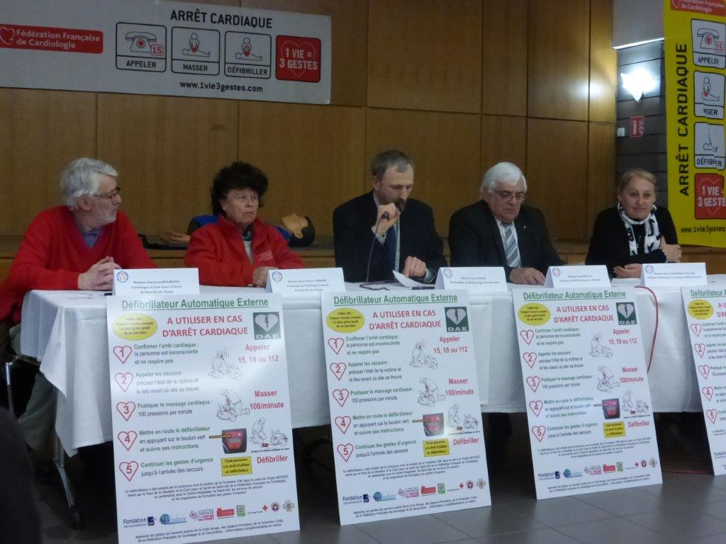 Photo de la table des officiels