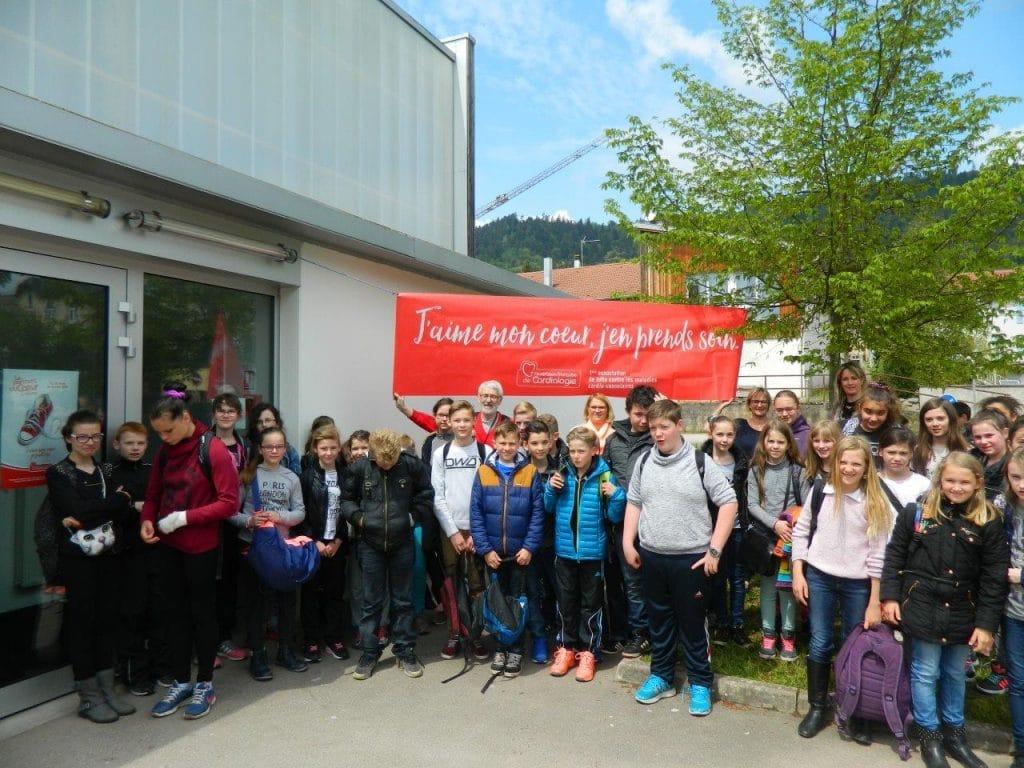 Photo d'un groupe d'élèves lors du parcours 2016
