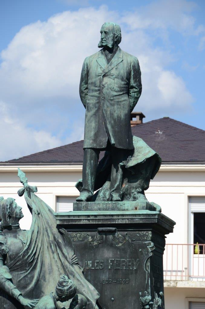 Photo de la statue de Jules Ferry