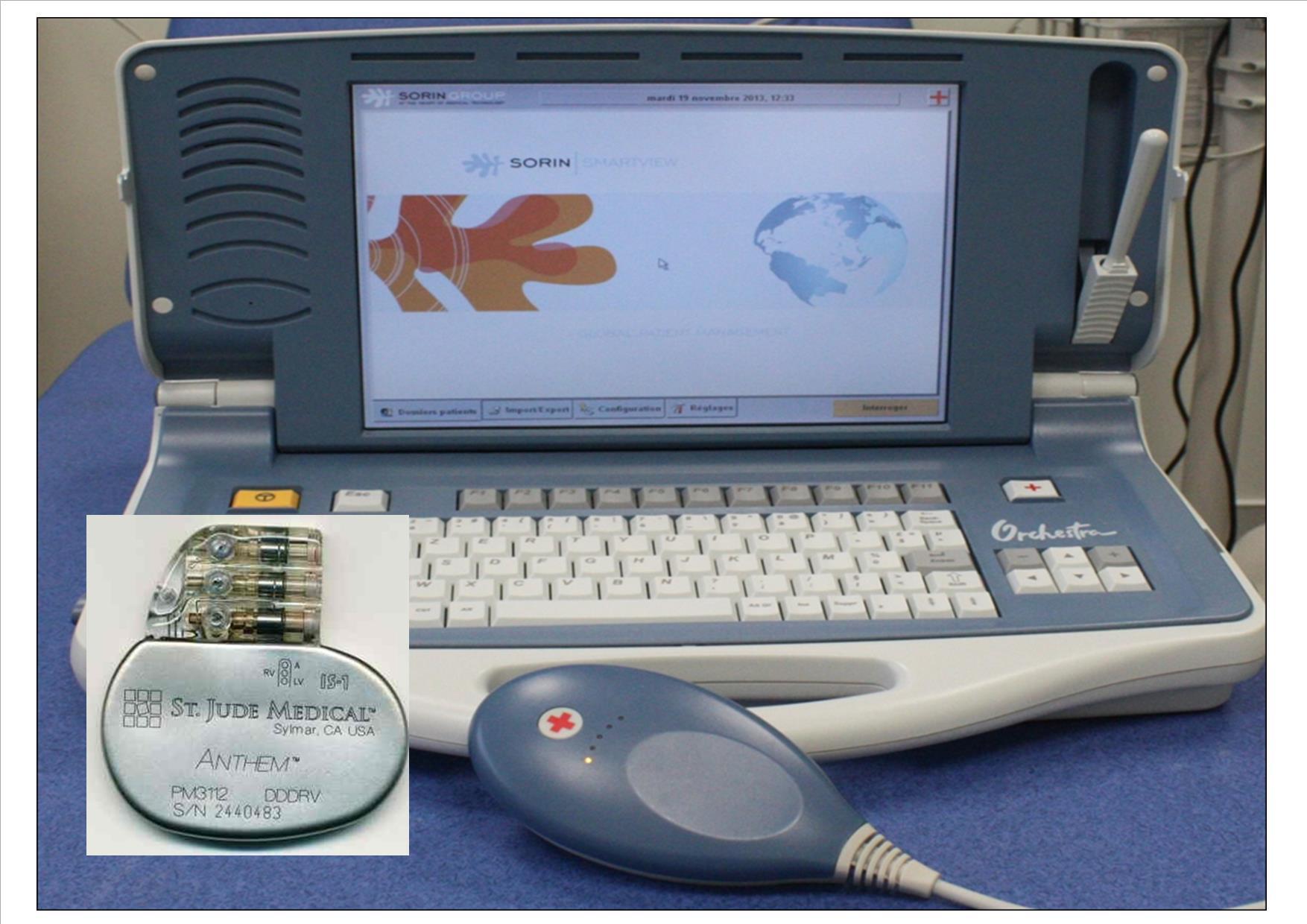 Photo du stimulateur cardiaque et un programmateur