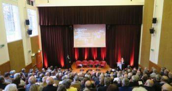 Photo de la salle et des participants