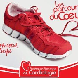 Affiche des Parcours du Cœur avec une chaussure de sport dont les lacets dessinent un cœur