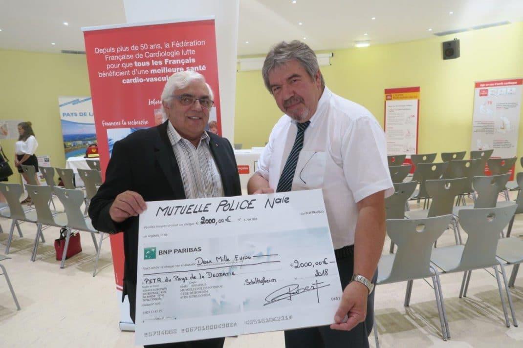 Photo de la remise du chèque (en grand format)