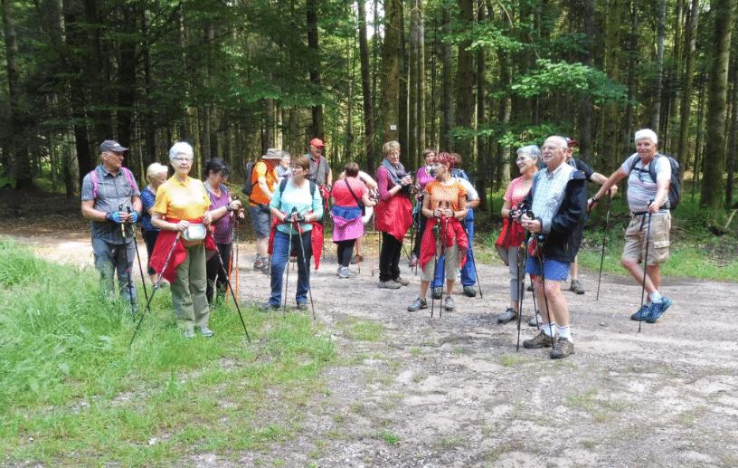 Le groupe en pause sur le circuit de Saint-Remy lundi 8 juillet