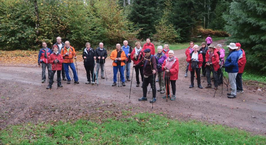La pose photo à la séance de marche nordique du 21 octobre
