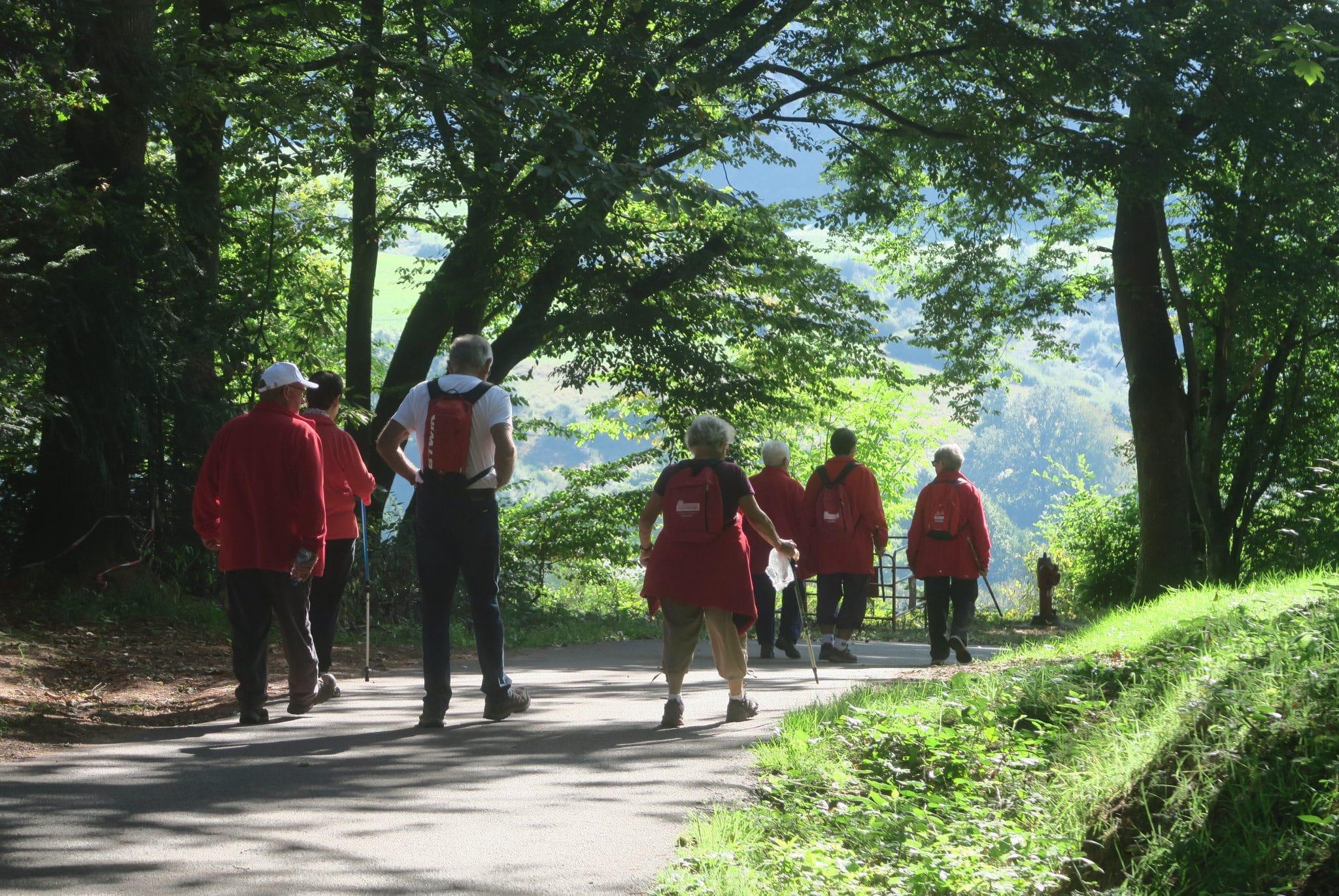 Photo des marcheur sur le circuit de la tête de saint-Roch