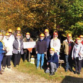 photo du groupe équipé du casque de protection